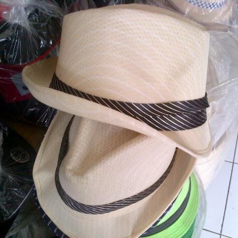 Topi Gaya Barat
